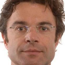 Dr Andrew  Östör