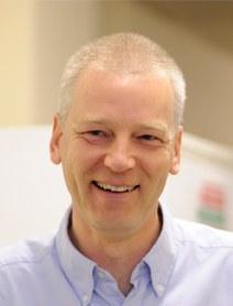 Dr Andrew  McKenzie