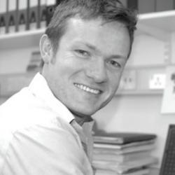 Dr Eoin  McKinney