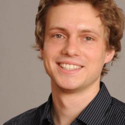 Dr Daniel  Freitag