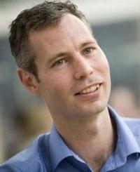 Dr Gavin  Wright