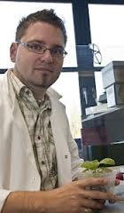 Dr Sebastian  Schornack