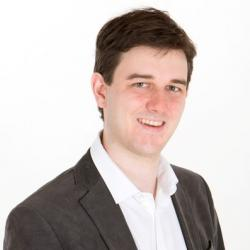 Dr Gavin  Sewell