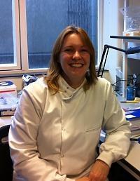 Dr Sarah  Kempster